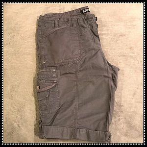 Apt. 9 Bermuda Shorts 💗
